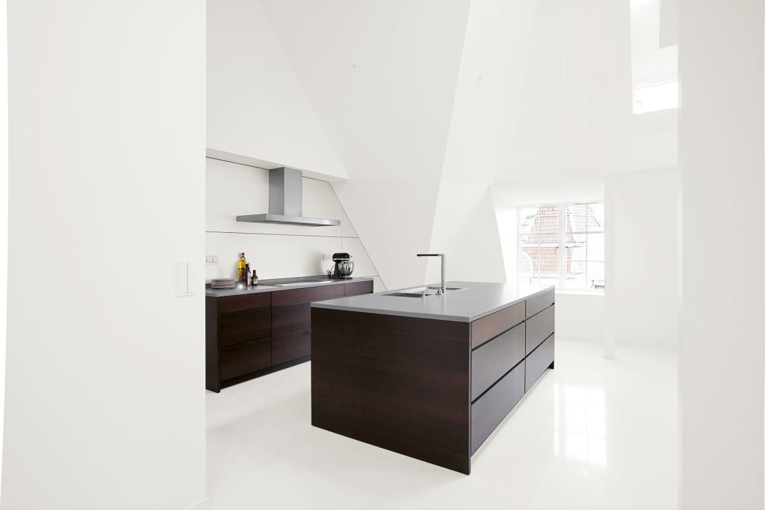 Kvänum Grip Rökt Ek, ett minimalistiskt kök som lyfter fram det rena och eleganta