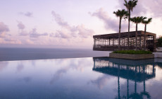 Lime Travel tar dig till Alila Villas Uluwatu på Bali