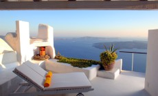 Santorini Cliff House
