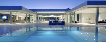Carla Ridge är ett lyxigt drömboende med sagolik utsikt. Modern arkitektur när den är som bäst.