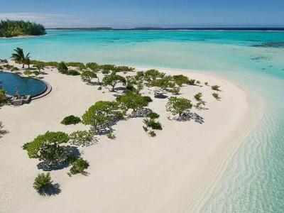 Tetiaroa är en exklusiv resort som erbjuder barfotalyx.