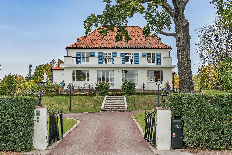Villa Sleipner i Djursholm – SkandiaMäklarna Danderyd