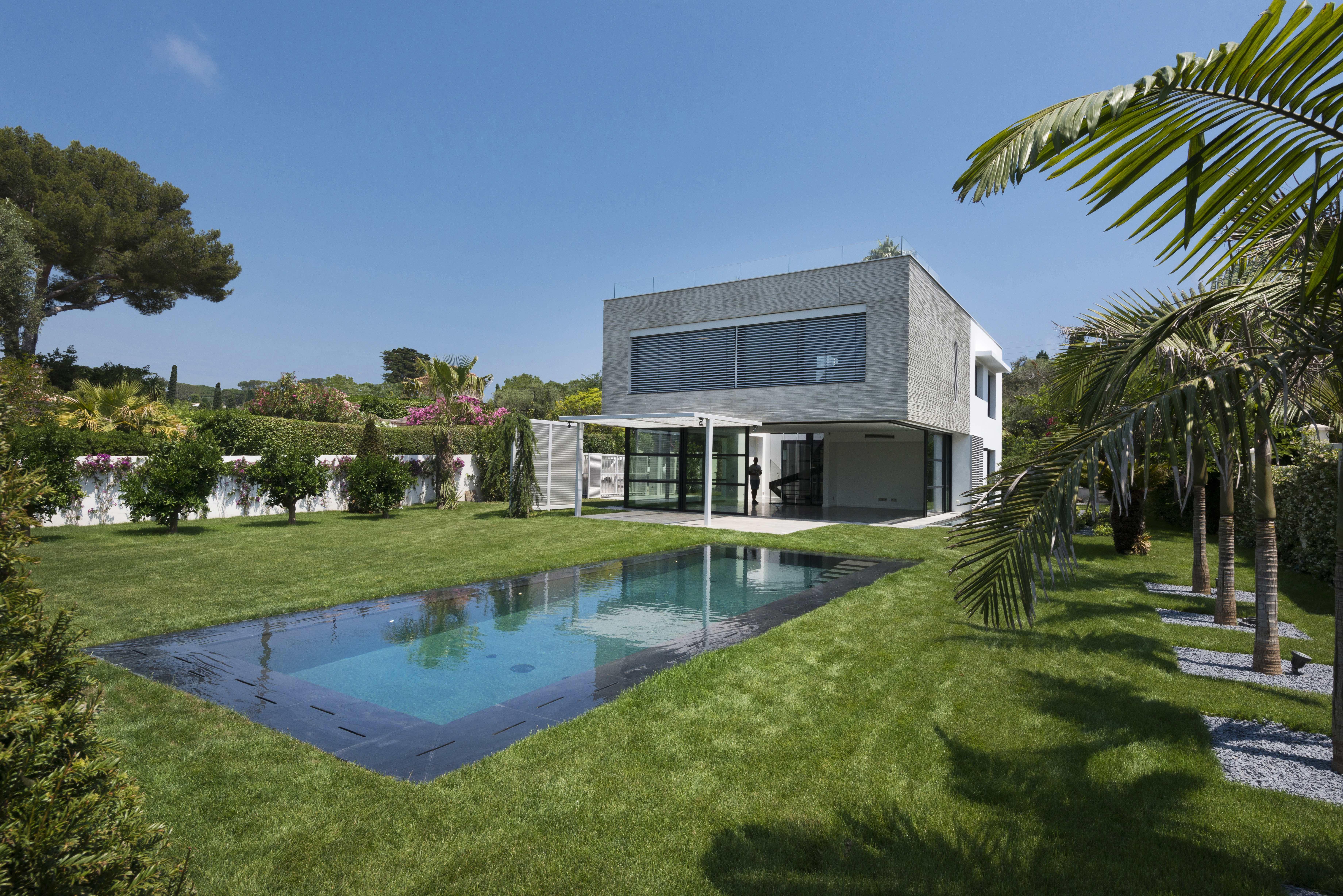 Hitta mäklare på Rivieran. Stor guide i HOOM med fastighetsmäklare och objekt.