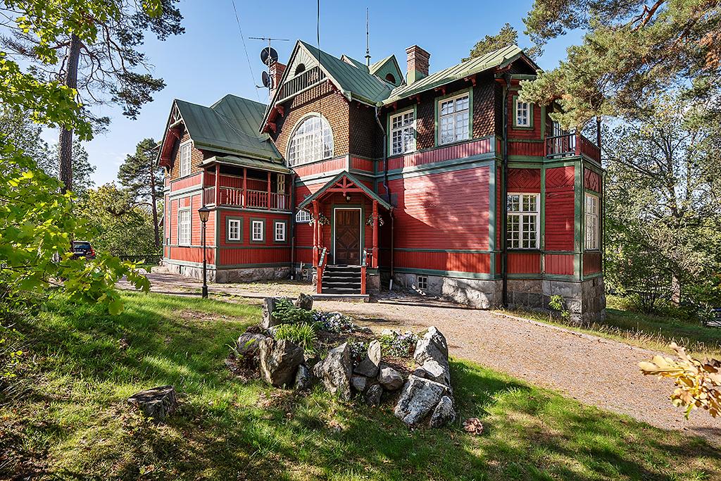 SkandiaMäklarna Danderyd - när du letar boende i Djursholm och Danderyd