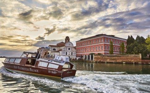 San Clemente Palace Kempinski ligger utanför Venedig och är ett av Italiens lyxigaste hotell.
