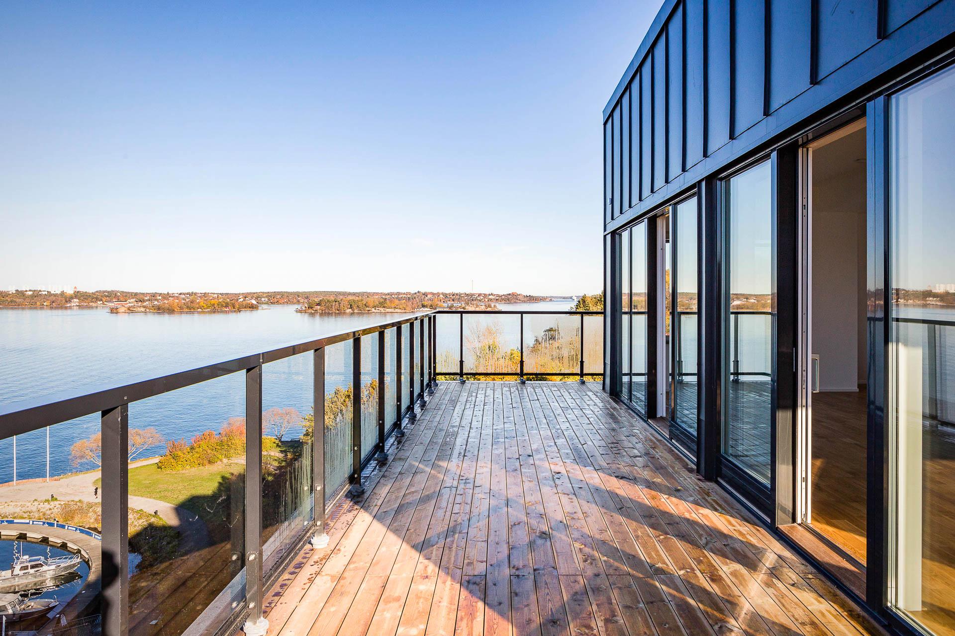 Fastighetsmäklarna hjälper dig som letar boende i Stockholm.