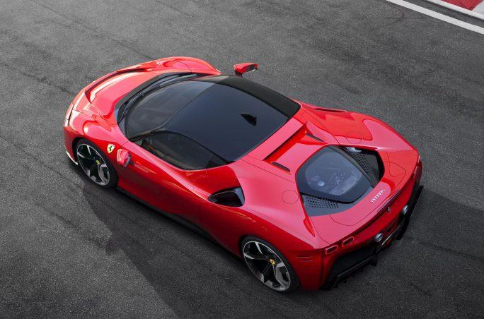 Ferrari SF90 Stradale. Nyheter 2019 från Ferrari.