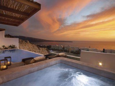 Santo Maris Oia på Santorini. Ta en titt på vår guide till Grekland och Medelhavet.