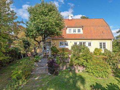 SkandiaMäklarna Danderyd - när du letar villa eller bostadsrätt i Danderyd och Djursholm