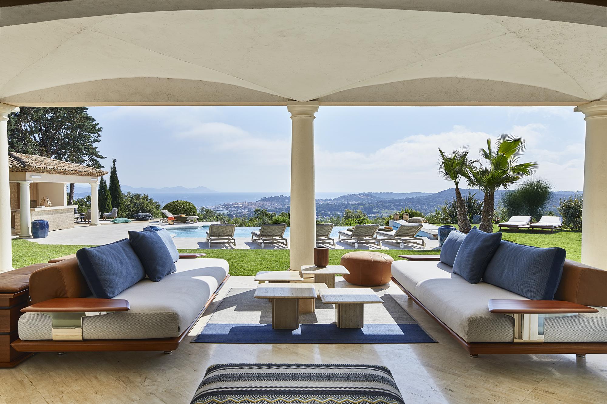 HOOM har besökt ett av inredningsarkitekten Stephanie Coutas senaste projekt, en storslagen villa i Saint-Tropez på Rivieran.
