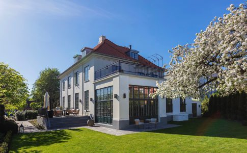 Villa från 1908, av högsta internationella klass, i Hellerup norr om Köpenhamn - Skeppsholmen Sotheby's International Realty