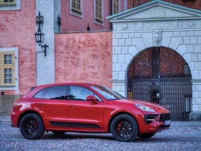 Porsche Macan GTS är en bil som kombinerar det sportiga och det sofistikerade på ett nytt sätt. Finns i Stockholm.