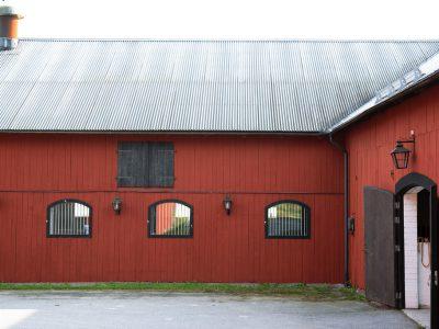 Underbar hästgård utanför Stockholm - Skeppsholmen Sotheby