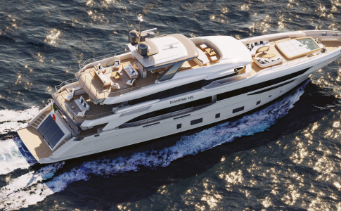 Diamond 145 är 44 meter lång och byggd av italienska Benetti Yachts. HOOM visar världens största yachts.