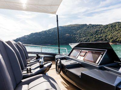 Exklusiva båtar och motorbåtar. Lyxiga yachts från världens alla hörn.