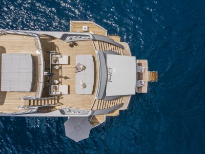 Pershing 140. Du hittar fler stora yachts och motorbåtar på vår sajt.
