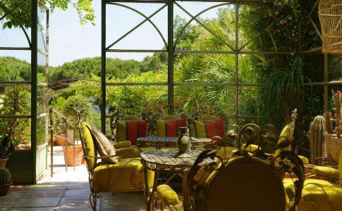 Villa Marie Saint-Tropez. Ett av flera exklusiva hotell som vi presenterar. Lyxhotell och andra exklusiva resorts presenteras i vår guide.