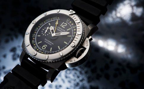 Panerai Special Pangea Submersible Depth Guage är en tung dykarklocka. Exklusiva klockor och lyxklockor i vår guide.