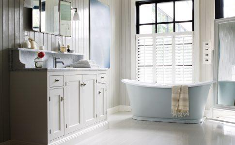 Exklusiva badrum från Kvänum. Här med ett exklusivt fristående badkar.