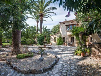Fjelkners - Exklusiva fastighetsmäklare - När du söker exklusiva hem och ett riktigt drömboende i Bromma och på Mallorca.