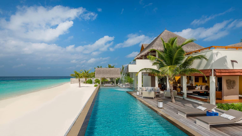 Four Seasons Resort Maldives at Landaa Giraavaru. Vi har en stor guide till Maldiverna, se de lyxigaste och mest exklusiva resorten och hotellen.
