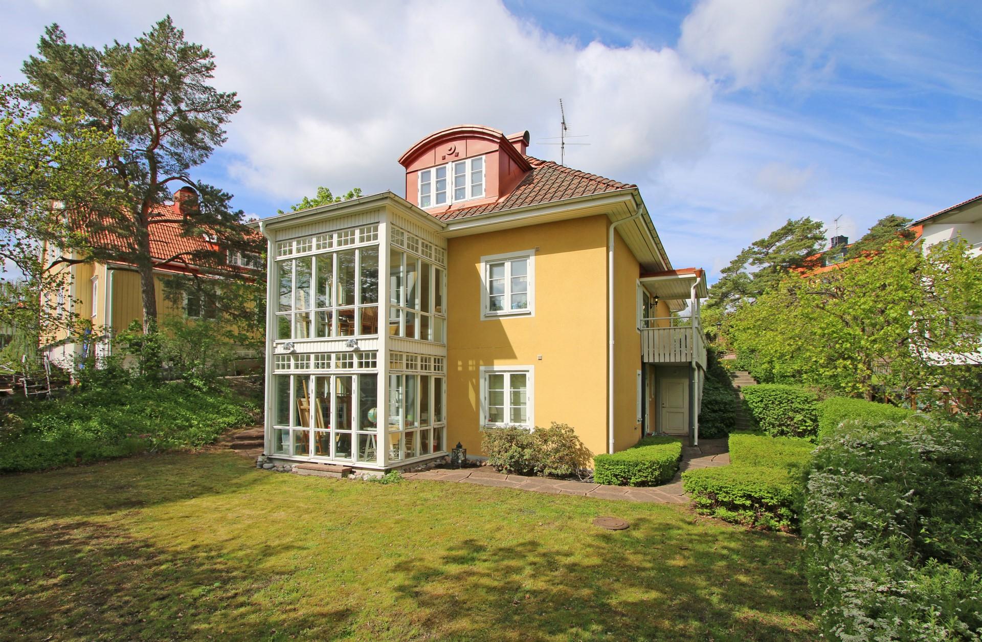 När du söker en exklusiv villa i Bromma.