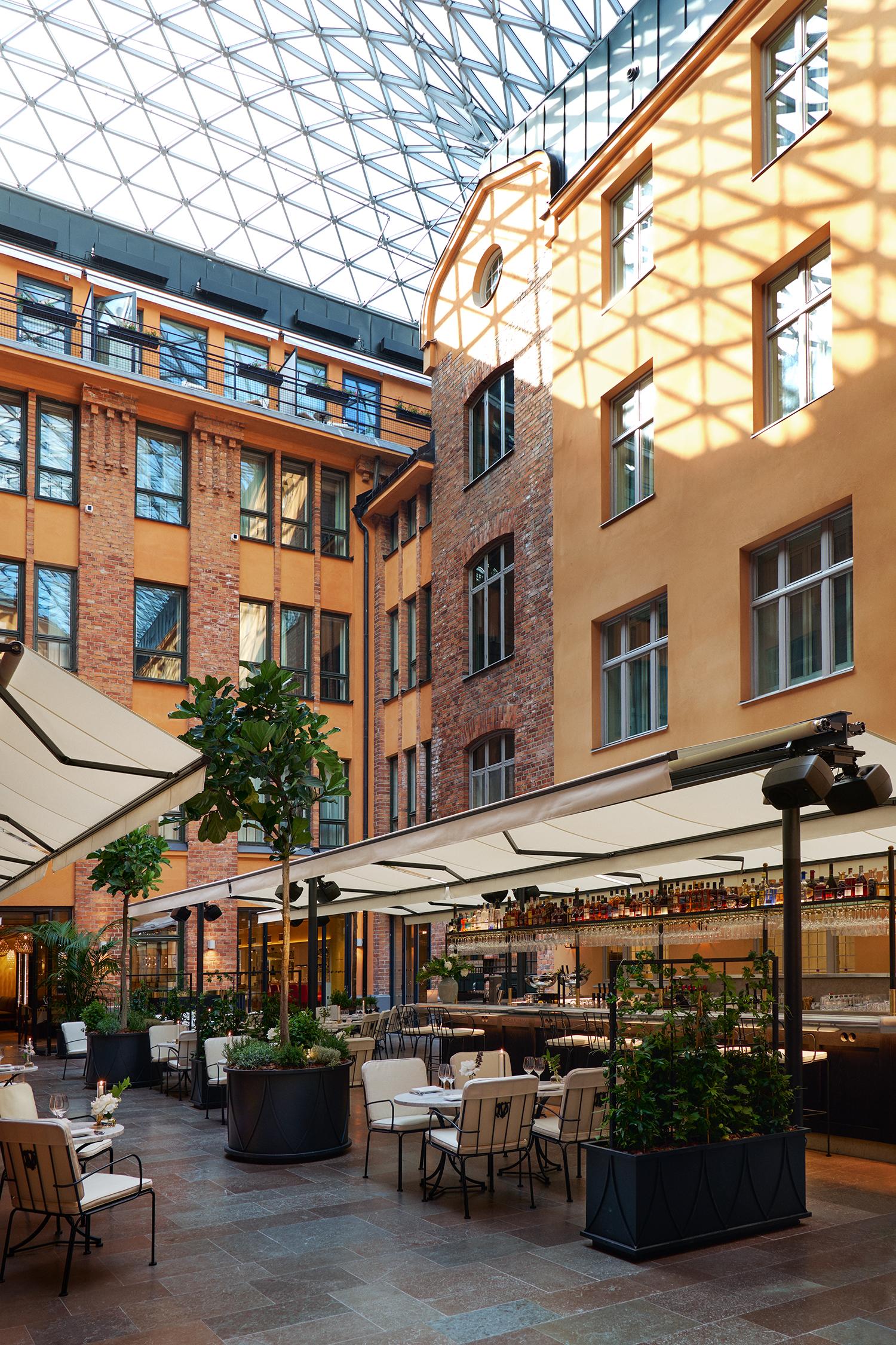 Hotell Villa Dagmar i Stockholm. Ett perfekt val när du letar efter ett exklusivt och lyxigt hotell på Östermalm. Ett nytt hotell på Nybrogatan som har nära till allt, ett lyxhotell i Stockholm helt enkelt.