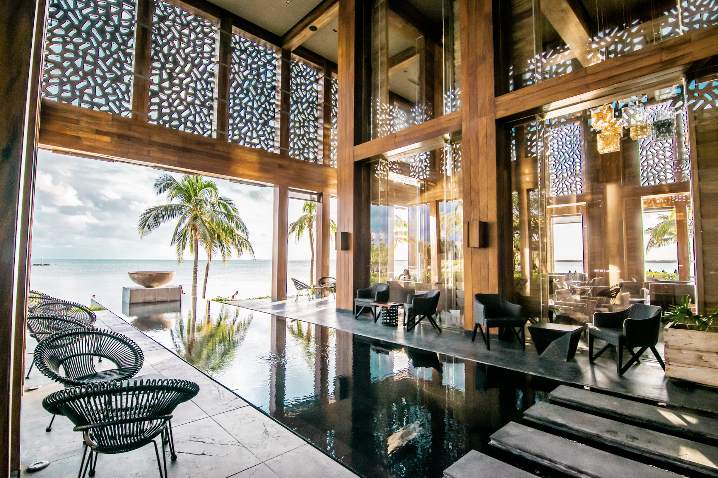 Exklusiva hotell och lyxiga resorts presenteras i vår guide. Fantastiska resor till exklusiva destinationer.