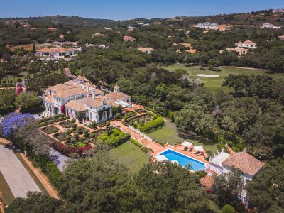 När du söker exklusiva lägenheter och villor i Marbella i Spanien. Frontline golf på Valderama.